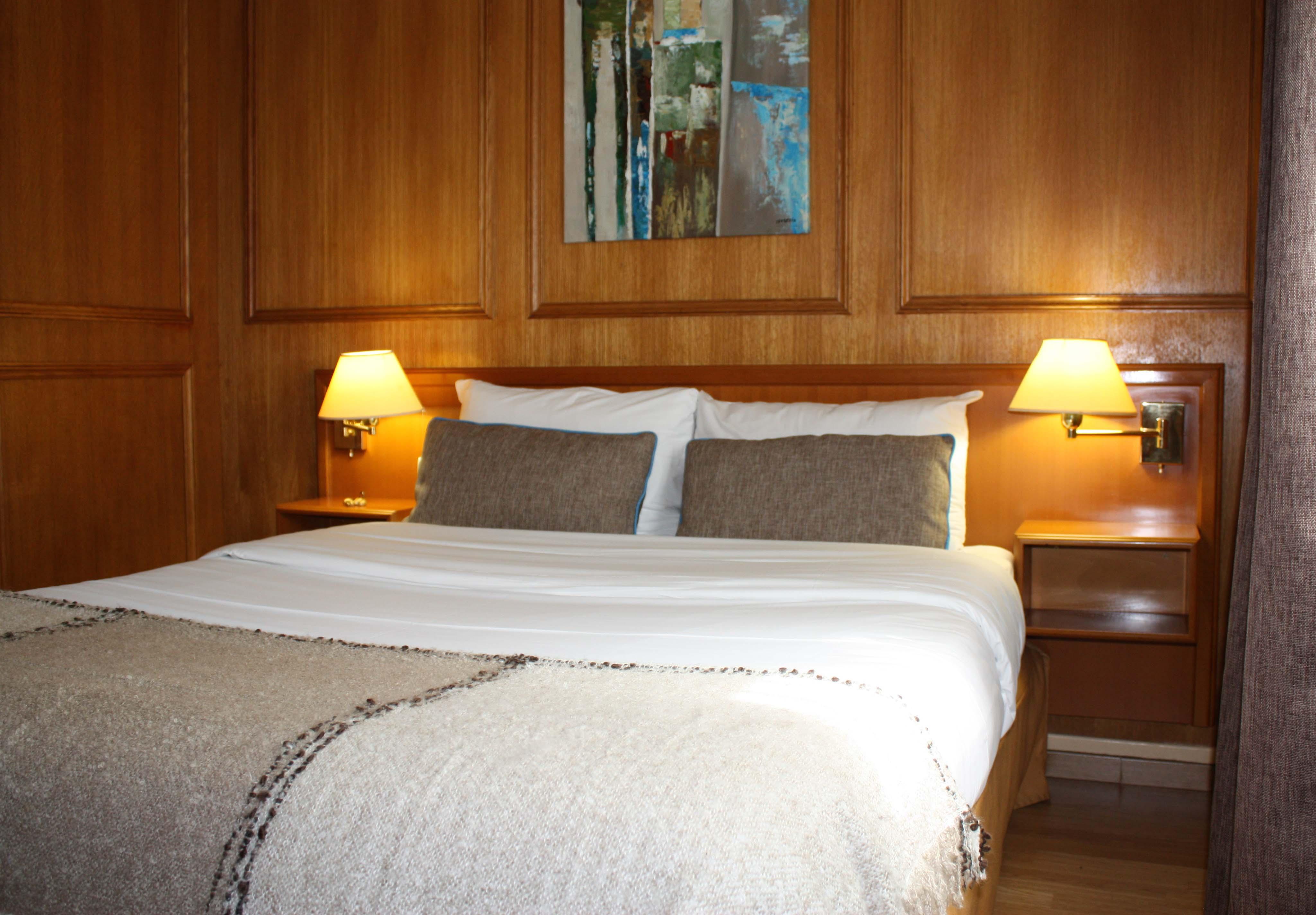 hoteldauphinputeaux1