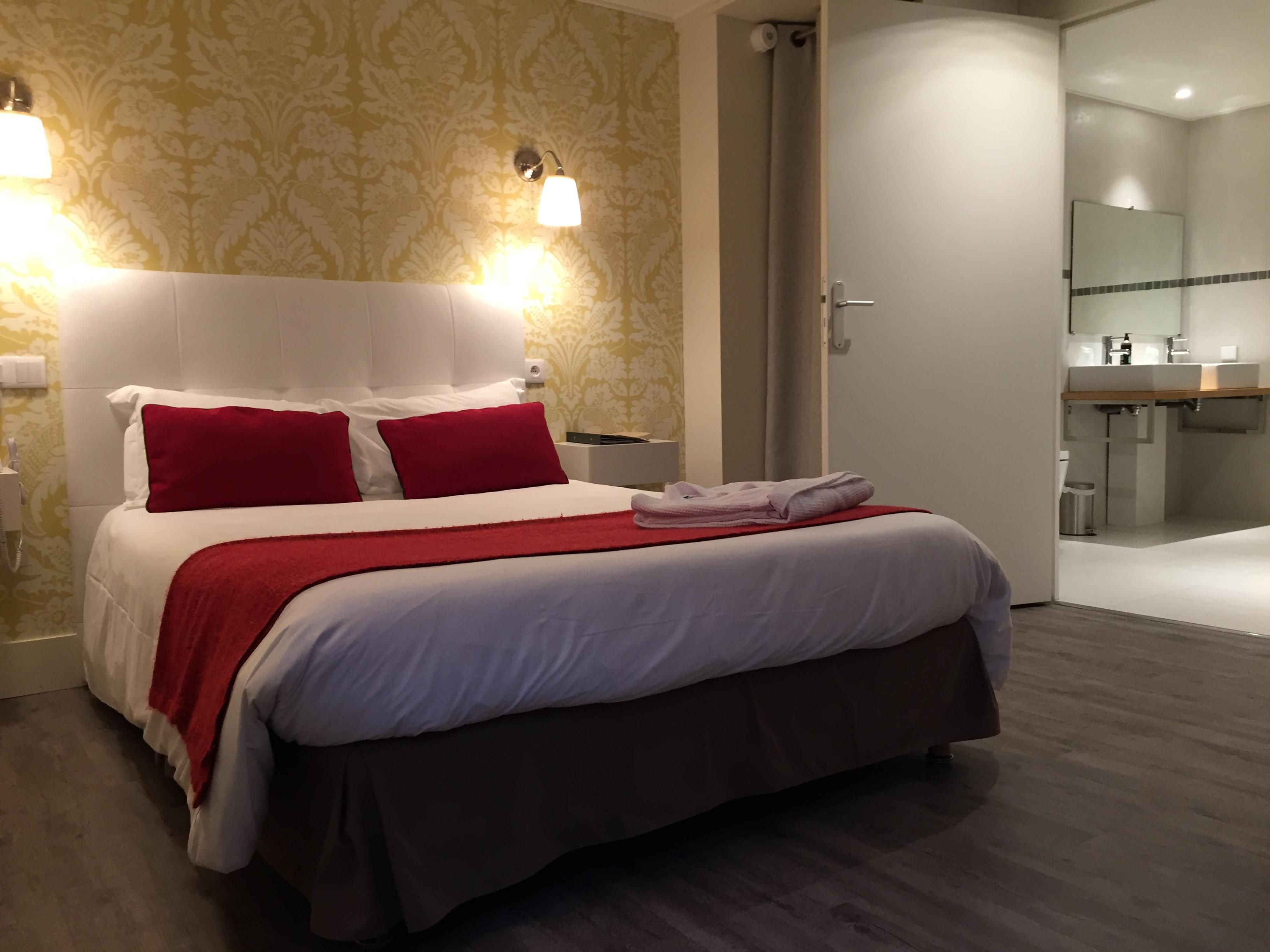 hotel-dauphin-chambre-pmr5