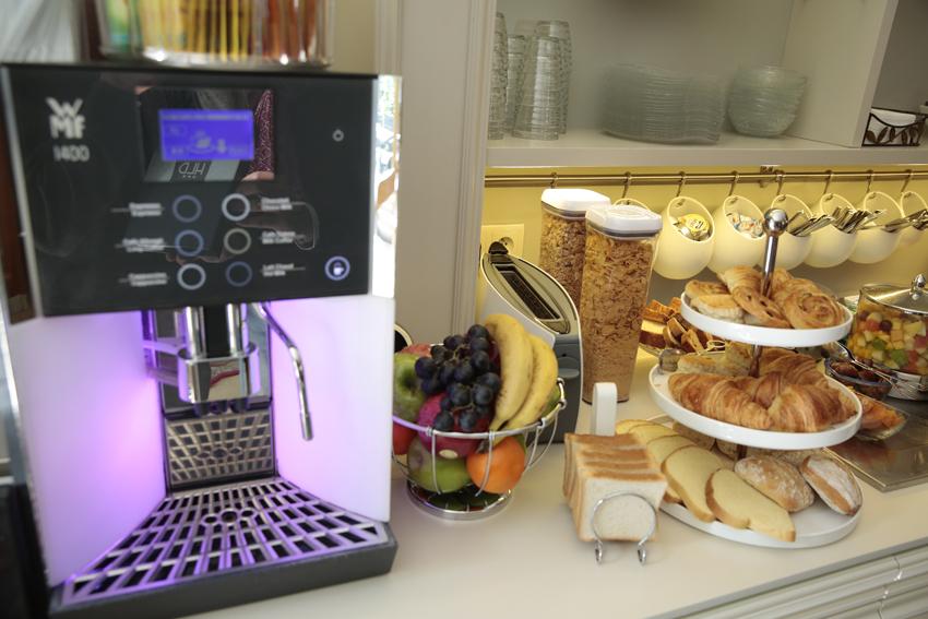 hotel-dauphin-petit-dejeuner-7