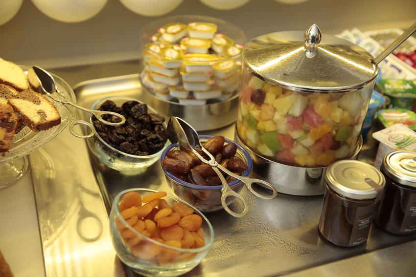 hotel-dauphin-petit-dejeuner-6